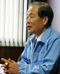 東郷メディキット株式会社 取締役総務部長 石井英男
